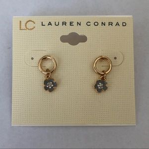 LC Lauren Conrad Hawaiian Flower Earrings Gold New